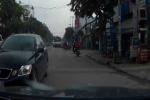 Công an truy tìm tài xế xe Lexus chạy ngược chiều giữa phố Sài Gòn