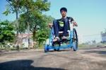 Nghiên cứu xe lăn không cần lăn chạy bằng điện cho người tàn tật