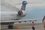 Video: Hành khách rụng rời nhìn động cơ máy bay cháy như đuốc