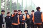 Đội bóng của Xuân Trường mở màn tập huấn thành công