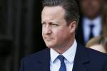 Video: Cựu Thủ tướng Anh dính lùm xùm chen ngang khi xếp hàng mua tất