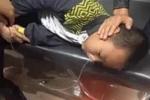 Phẫn nộ chuyện cậu bé bị 'đàn chị' lớp 5 bắt ăn ruột bút chì