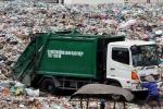 Cận cảnh bãi rác ô nhiễm khiến dân phải lập 'chiến lũy' ngăn chặn