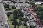 Hình ảnh khác lạ về giao thông Hà Nội chỉ có trong ngày nắng nóng