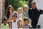 Angelina Jolie có giành được quyền nuôi 6 người con?
