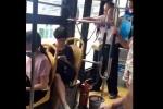 Không nhường ghế xe buýt, cô gái bị cụ ông chửi rủa suốt 5 phút