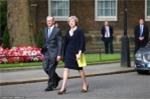 Thủ tướng Anh đứng cách vụ tấn công khủng bố chưa đầy 40m