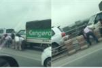 Hàng loạt ô tô đi sai làn, tài xế đua nhau tháo barie trốn cảnh sát giao thông