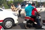 CSGT bị 'quái xế' tông gãy chân: Người ra hiệu lệnh dừng xe cũng có lỗi