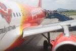 Lốp bị cắt, máy bay từ Phú Quốc chậm khởi hành