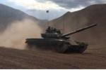 Vì sao Ấn Độ đưa gần 100 xe tăng áp sát biên giới Trung Quốc