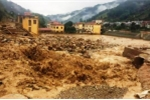 Nước vẫn cuồn cuộn đổ về tâm lũ quét Mù Cang Chải - Yên Bái