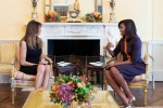 Hai đệ nhất phu nhân Mỹ nói gì trong cuộc gặp mặt đầu tiên?
