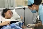 Nhật Kim Anh bị sốt cao, co giật và ngất trên máy bay từ Mỹ về