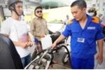 Giá xăng sẽ giảm mạnh chiều nay?