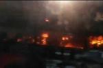 Xe khách giường nằm bốc cháy dữ dội trên đèo Lò Xo