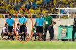 Hy hữu: Hà Nội nắng nóng kỷ lục, trọng tài bỏ dở trận đấu