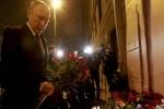 Tổng thống Putin đặt vòng hoa gần ga tàu điện ngầm St Petersburg