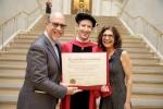 Sau 12 năm bỏ học, ông chủ Facebook nhận được bằng tốt nghiệp Harvard