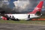 Máy bay chở hàng trăm người lao khỏi đường băng, cháy ngùn ngụt