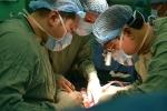 Người phụ nữ bị khối u chiếm gần hết 2 quả thận
