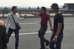 Phóng viên bị đánh chảy máu mồm trên cầu Nhật Tân: Chủ tịch Hà Nội yêu cầu xử nghiêm