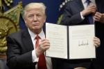 Thế giới hoang mang sau lệnh cấm nhập cư của ông Trump