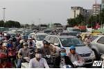 Tin kẹt xe ở Hà Nội và Sài Gòn trước ngày nghỉ lễ