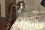 Nửa đêm, hoảng hồn phát hiện trăn 'khủng' vắt vẻo từ phòng khách vào phòng ngủ