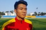 Hà Đức Chinh quyết ghi bàn vào lưới U20 Pháp