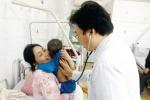 Giao mùa, nhiều trẻ nhập viện vì bệnh tay chân miệng
