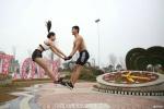 Doi tinh nhan Trung Quoc khoe 7 tu the hon dep mat hinh anh 4
