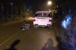 Rút dao kề cổ tài xế taxi cướp tài sản trong đêm