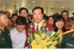 Hoàng Xuân Vinh vẫy tay chào người hâm mộ, chia sẻ về phát súng định mệnh