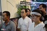 NSƯT Thành Lộc thất thần trong lễ an táng NSND Thanh Tòng sáng sớm nay