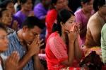 Lễ hỏa táng đẫm nước mắt của các nạn nhân rơi máy bay Myanmar