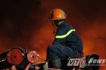 Ảnh: Hơn 300 chiến sỹ căng mình khống chế 'biển lửa' ở Hải Phòng