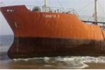 'Con tàu ma' bí ẩn trôi dạt vào bờ biển Tây Phi