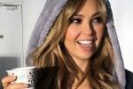 Nữ ca sỹ 44 tuổi vẫn đẹp như 20 nhờ... 'thăng hoa' 50 lần mỗi đêm