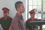 Học sinh tạt axit đoàn cưỡng chế tiếp tục bị giam giữ