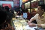 Tiếp tục giảm, giá vàng gần rơi xuống vùng 33 triệu đồng/lượng