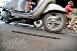 Dự án đường sắt trên cao Cát Linh - Hà Đông: Sắt lại rơi trúng người đi đường