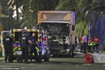Lái xe khủng bố đã lừa cảnh sát Pháp thế nào trước khi lao vào đám đông?