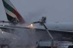Clip: Máy bay chở 275 người bốc cháy ngùn ngụt ở Dubai