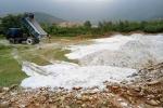 Bắt một công ty ở Hà Tĩnh đổ trộm hơn 30 tấn chất thải rắn