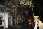 Nổ cột điện, cả khu dân cư ở Thủ đô 'phát hỏa'