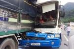 Tài xế xe tải cứu xe khách chở 30 người đang lao đèo thoát tai nạn thảm khốc nói gì?