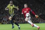 Rooney đánh bại Van Persie, Mourinho sắp 'hồi sinh' Paul Pogba