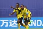 Dừng hình màn chiến đấu quật cường của đội bóng ngang cơ U20 Việt Nam