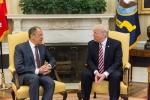 Chuyên gia tình báo dự đoán 'ác mộng' nếu đúng ông Trump tiết lộ bí mật cho Nga